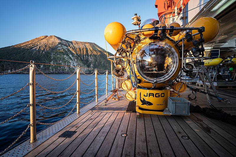 The submersible JAGO during the expedition AL533 off the Aeolian Islands. Photo: Nikolas Linke (CC BY 4.0)