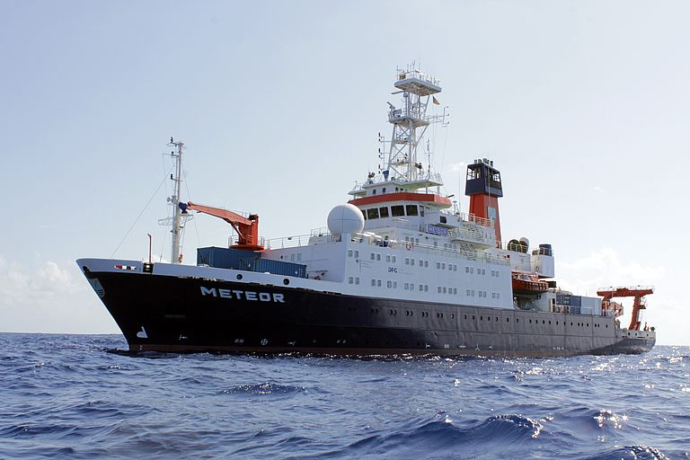 The German research vessel Meteor in the tropical Atlantic.Photo: Kosmas Hench.