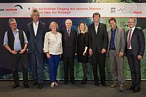 At the official launch of WOR4 at the Representation of Schleswig-Holstein in Berlin: Prof. Dr. Konrad Ott, mare publisher Nikolaus Gelpke, Gesine Meißner, MEP, Prof. Dr. Klaus Töpfer, Prof. Dr. Antje Boetius, Prof. Dr. Martin Visbeck, Dr. Robert Habeck, Minister of Energy, Agriculture, the Environment and Rural Areas of teh State of Schleswig-Holstein, and moderator Karsten Schwanke (from left to right). Copyright: mare