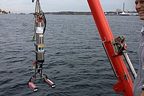 The Underwater Vision Profiler during a trial in the Kiel Fjord. The UVP provided crucial data for the new study. Photo: Rainer Kiko, GEOMAR