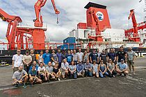 The participants of the expedition SO267 and the research vessel SONNE shortly before leaving the port of Suva (Fiji). Photo: Philipp Brandl + Nico Augustin/GEOMAR