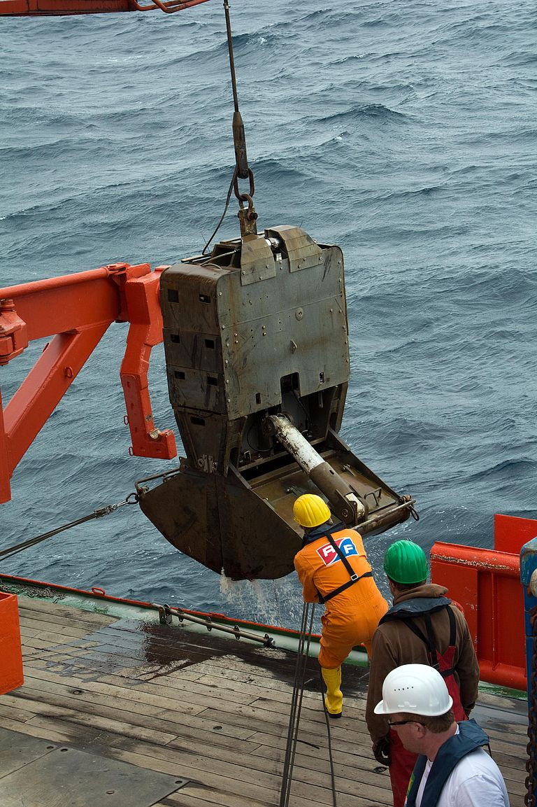 The TV-grab allows an even more accurate sampling at the Walvis Ridge. Photo: Roland Knauer